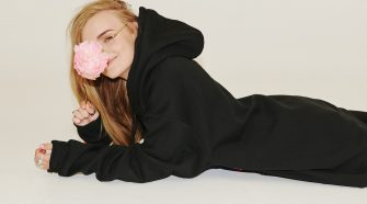 G Flip lying down with pink flower
