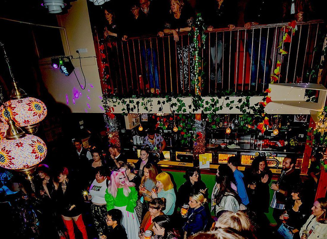 Rainbow House Club 01